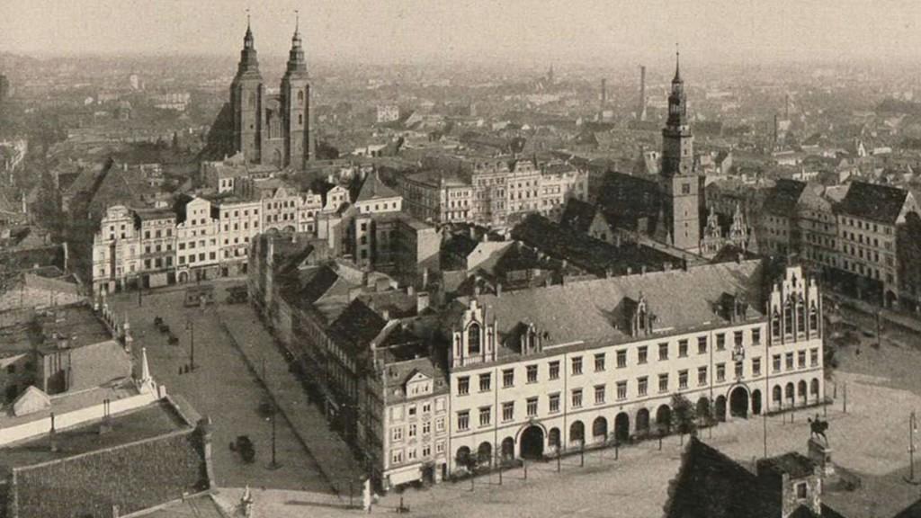 Widok na rynek z kościoła św. Elżbiety - Dawniej