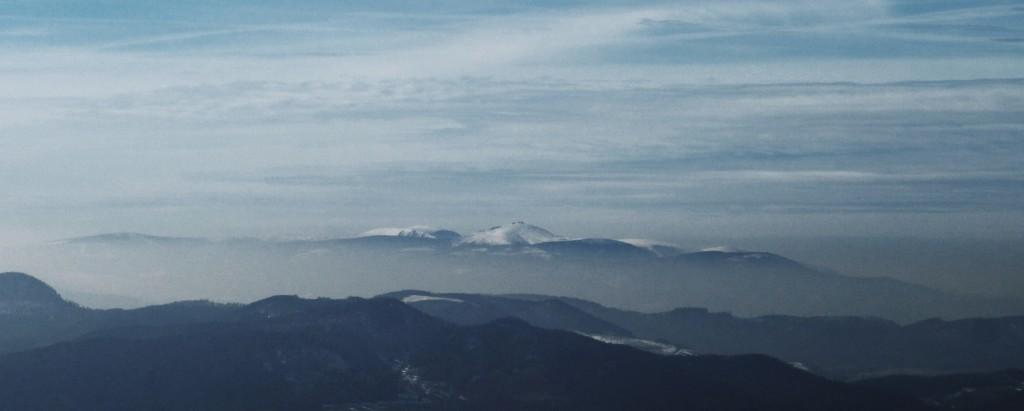 Zdjęcie Śnieżki z odległości 53 km