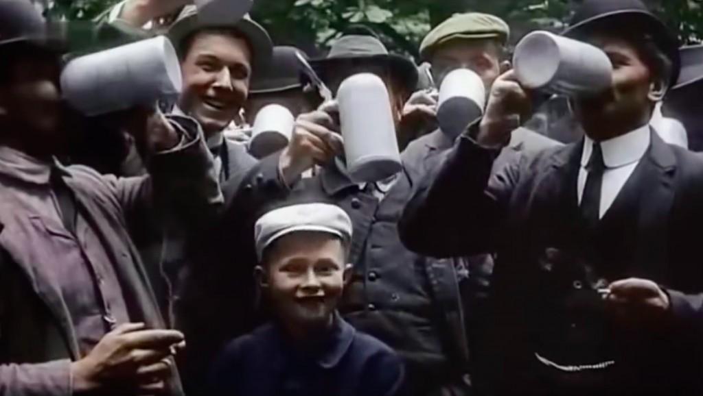 Poruszający Obraz Świata Film z 1900 Roku