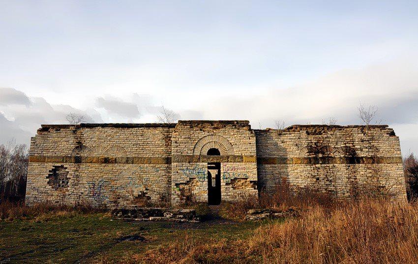 Mauzoleum Totenburg Wałbrzych - Zdjęcie: Hannibal Smoke