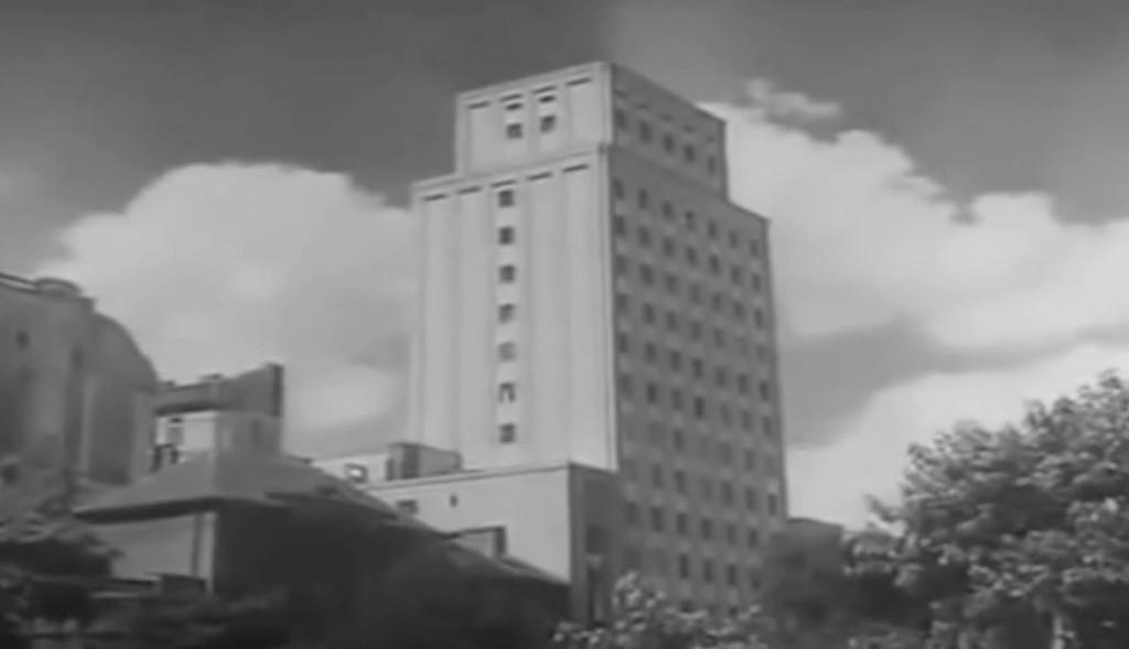 Wieżowiec Prudential w Warszawie - Polska przed II wojną światową na starym filmie