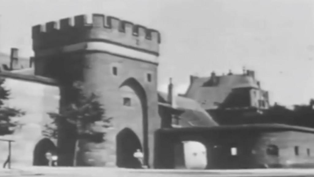 Brama Mostowa w Toruniu