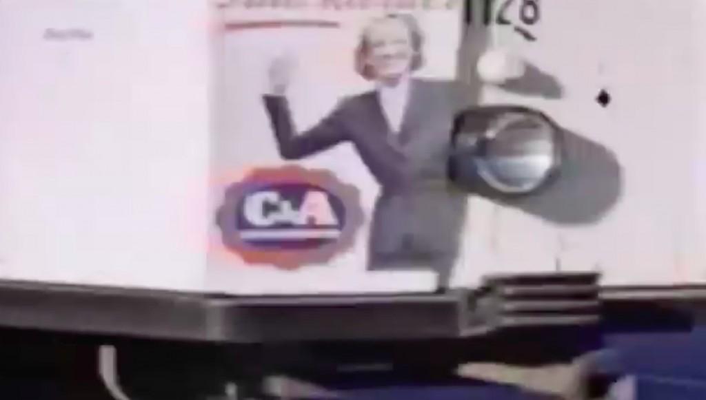 Reklama firmy C&A na tramwaju