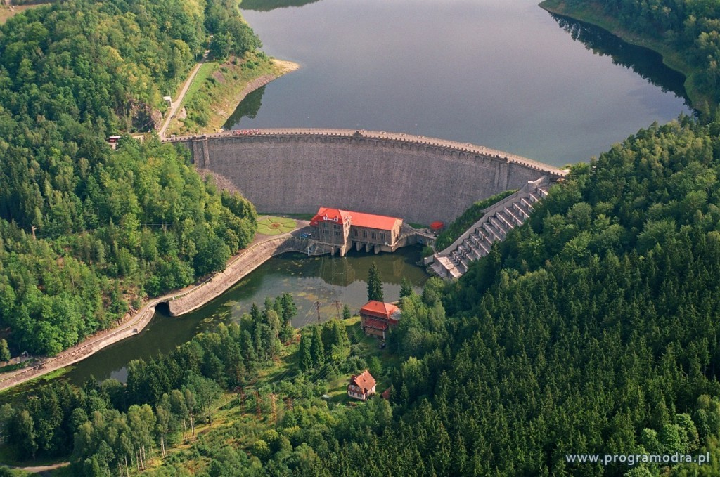 Zapora w Pilchowicach - Źródło: Pełnomocnik Rządu do Spraw Programu dla Odry-2006