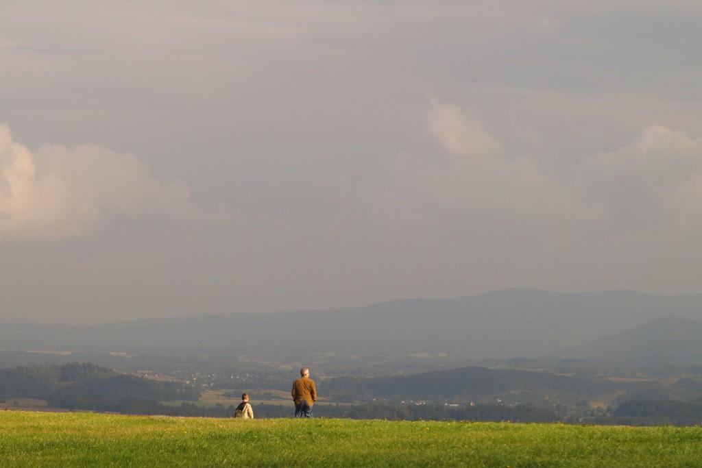 Widok z Góry Szybowcowej na Karkonosze