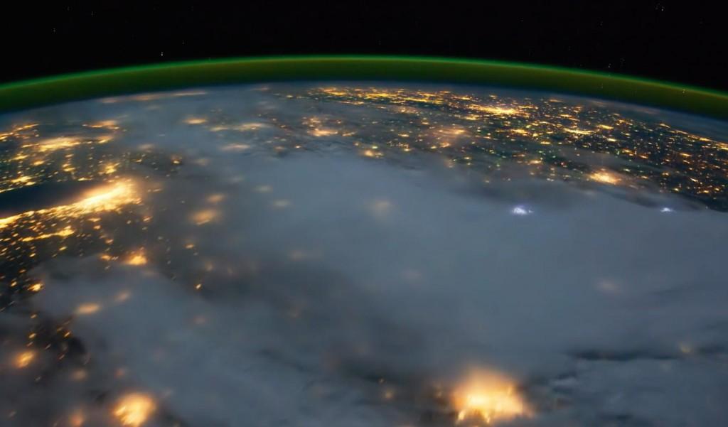 Wyładowania atmosferyczne na Ziemi - Źródło: vimeo.com