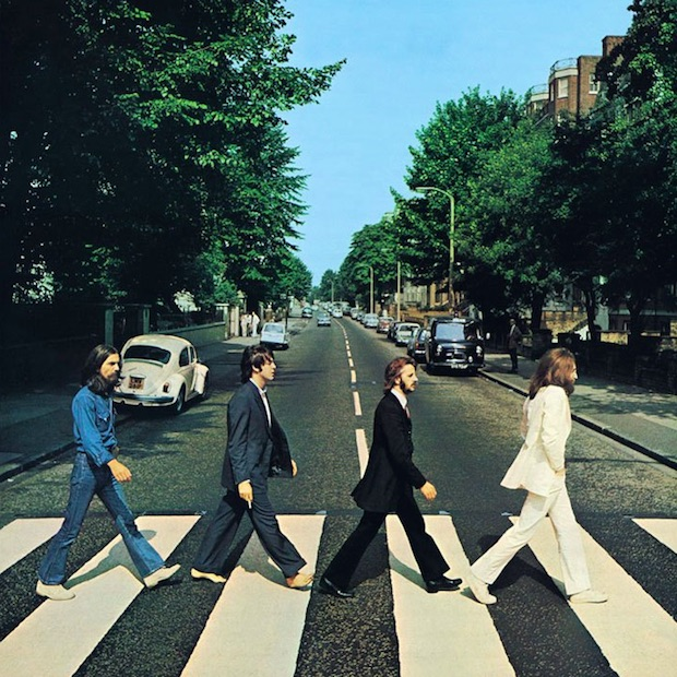 Abbey Road - 10 przełomowych zdjęć - Autor: Iain Macmillan Źródło: Okładka Płyty