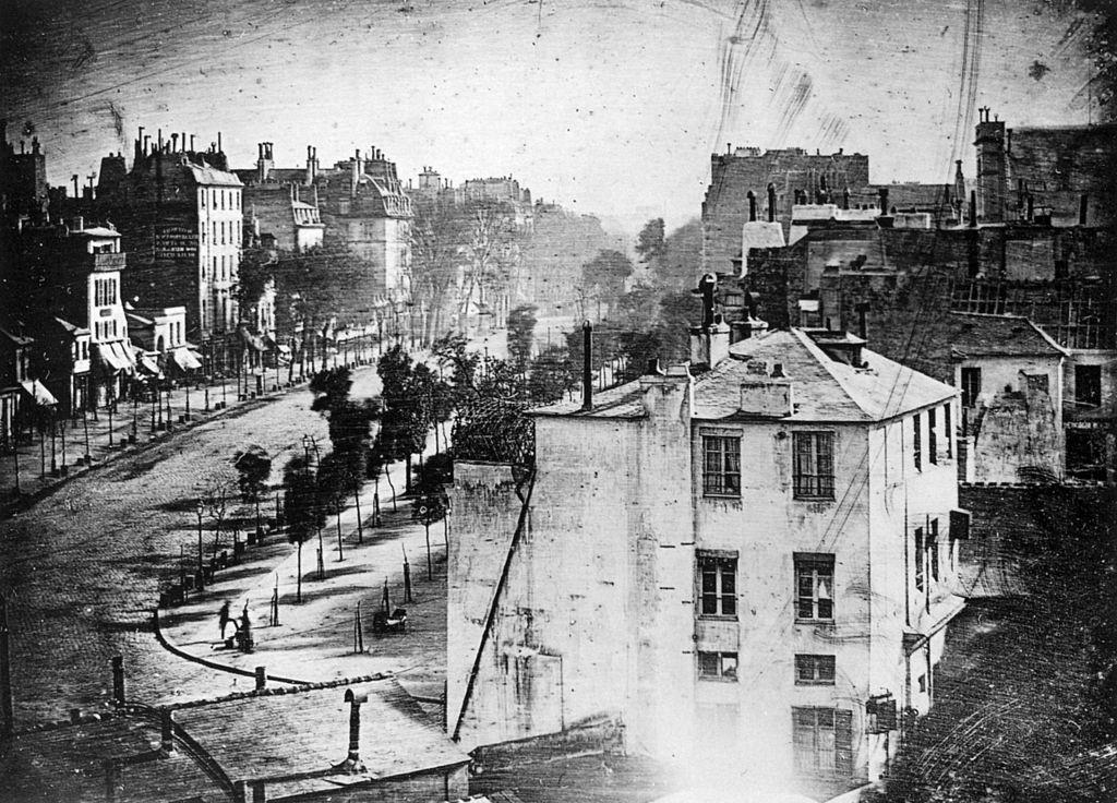 Boulevard du Temple - 10 Przełomowych Zdjęć - Autor: Louis Daguerre