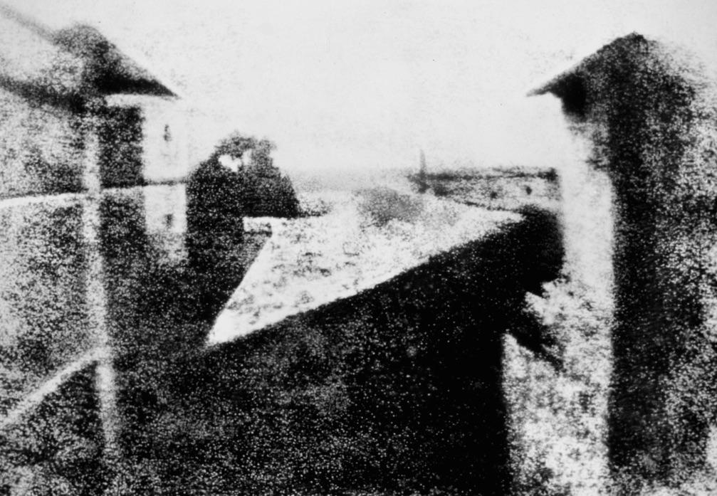 Widok z okna w Le Gras - 10 przełomowych zdjęć - Autor: J. N. Niépce