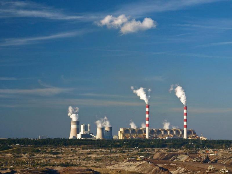 Widok na elektrownię z tarasu widokowego - Autor: Anna Tomaszewska