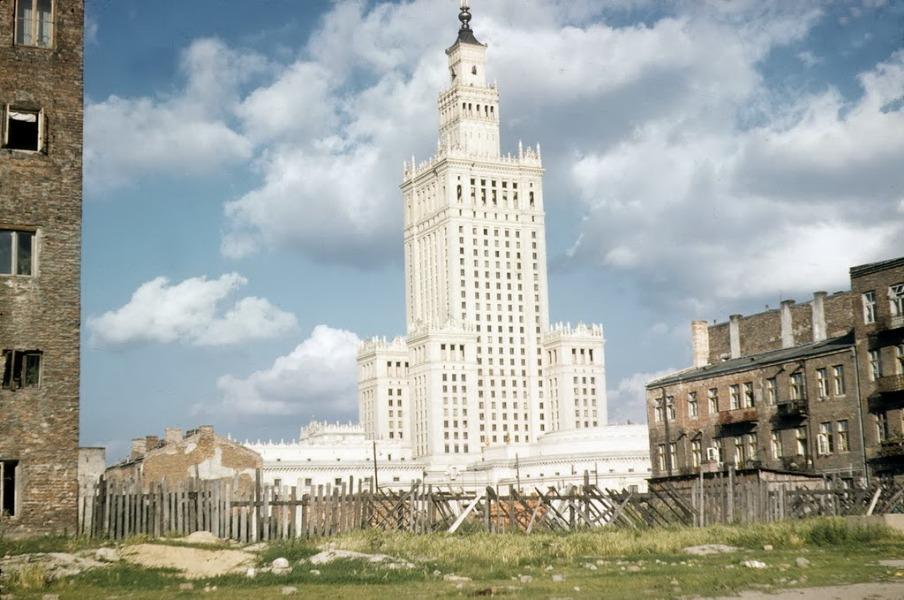 Tak wyglądał Pałac Kultury i Nauki po wybudowaniu - Prawdopodobnie 1958 rok