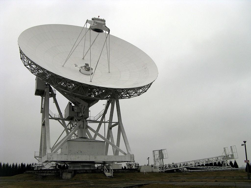 Radioteleskop w Piwnicach - Autor: Margoz Źródło: commons.wikimedia.org