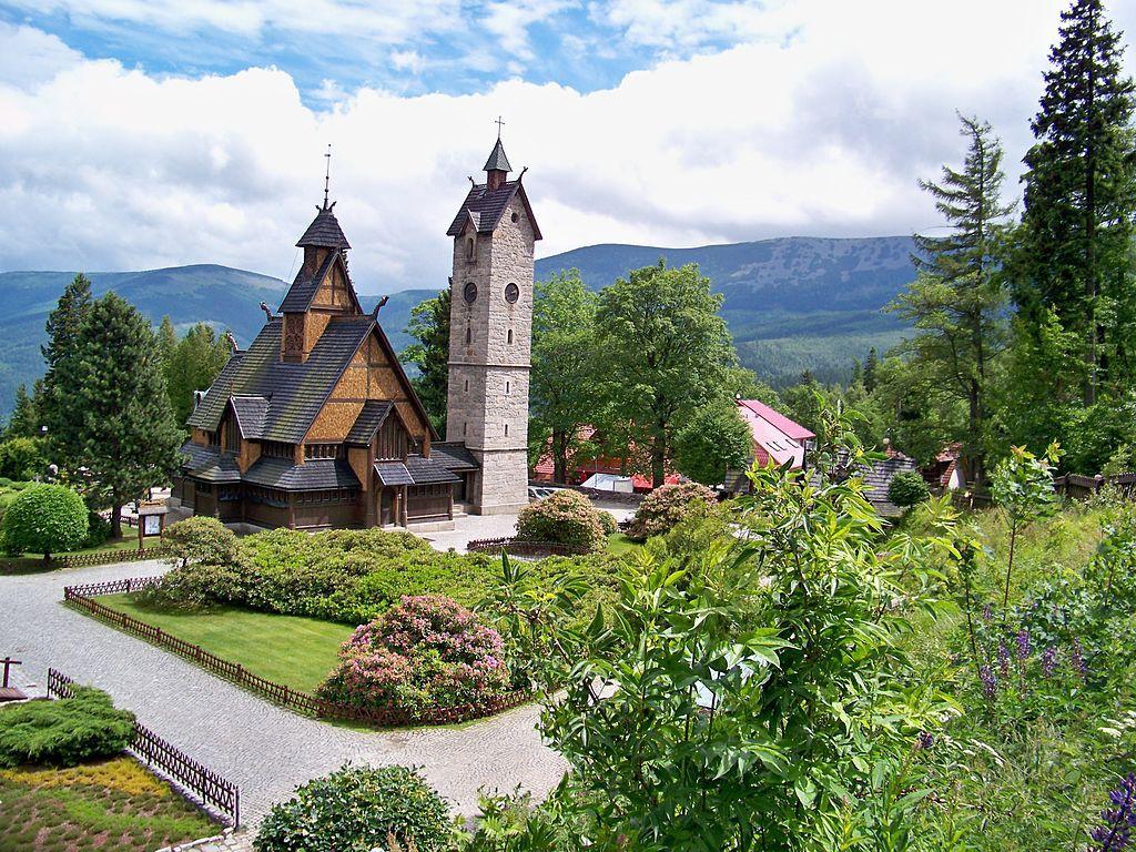 Świątynia Wang w Karpaczu - Autor: Uzytkownik3008 Żródło: wikimedia.org