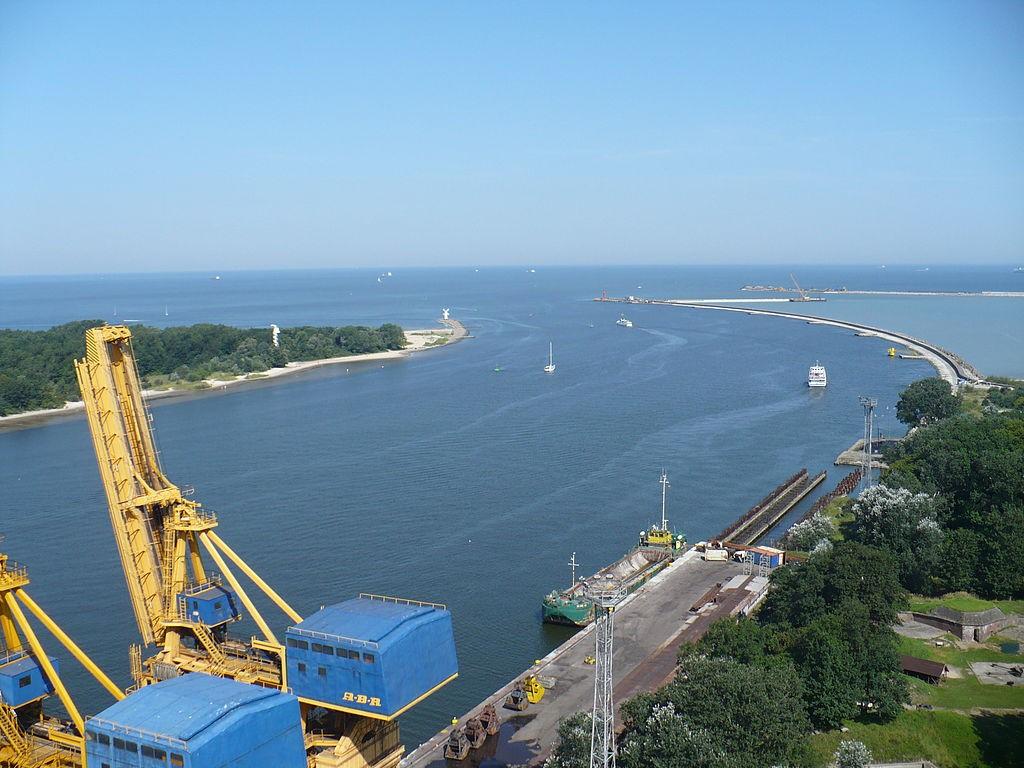 Widok z Latarni na Ujście Świny - Autor: Endymion2000 Źródło: commons.wikimedia.org