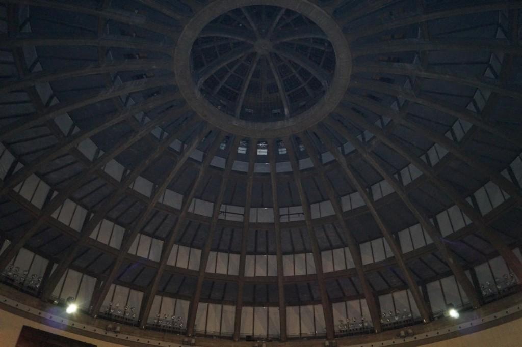Wnętrze sklepienia Hali Stulecia - Żelbet i elementy prefabrykowane