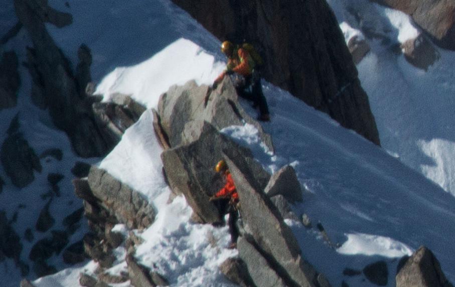 Alpiniści - Gigantyczne Zdjęcie Mont Blanc - Źródło: www.in2white.com