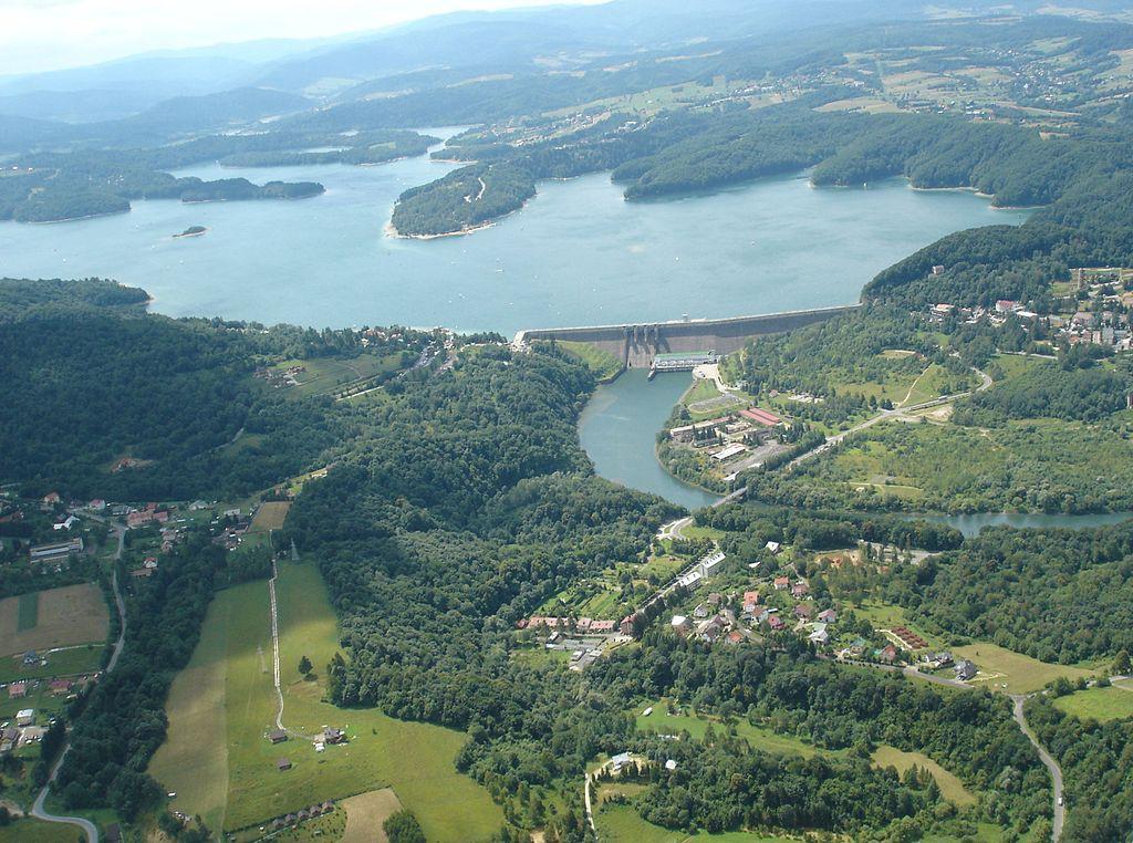 Zapora Wodna Solina - Autor: Zuluanonymous Źródło: commons.wikimedia.org