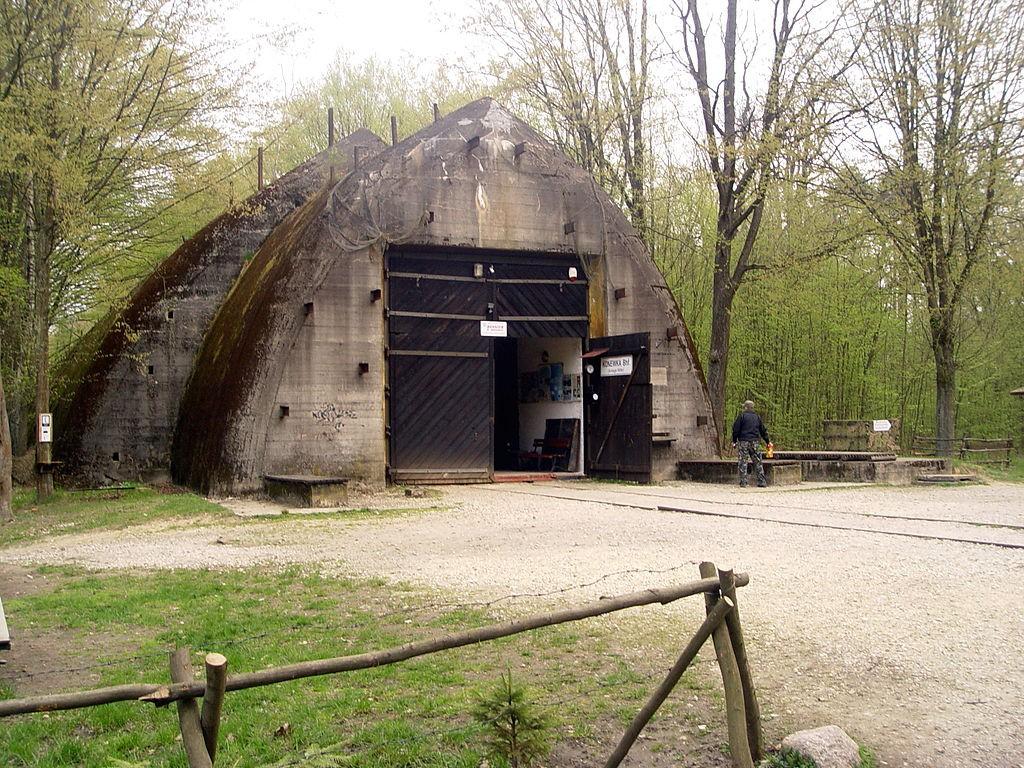 Bunkier Kolejowy w Konewce - Autor: Jarosław Kruk Źródło: commons.wikimedia.org