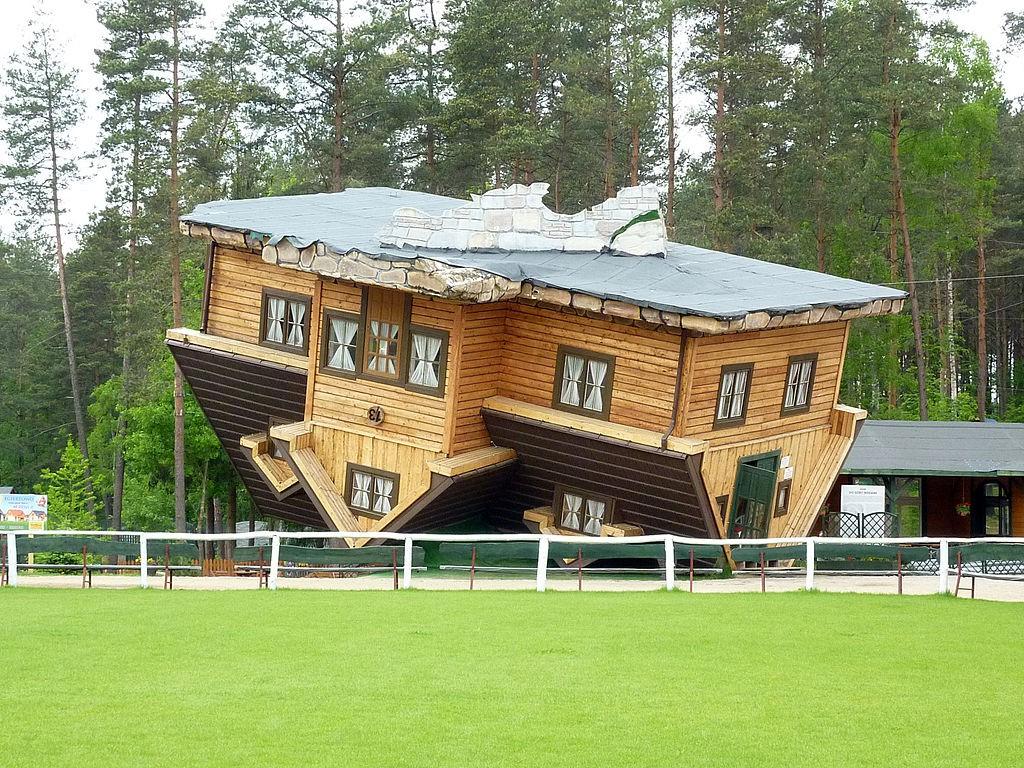 Dom w Szymbarku - Lista zaskakujących miejsc w Polsce - Autor: Przemysław Jahr Źródło: commons.wikimedia.org