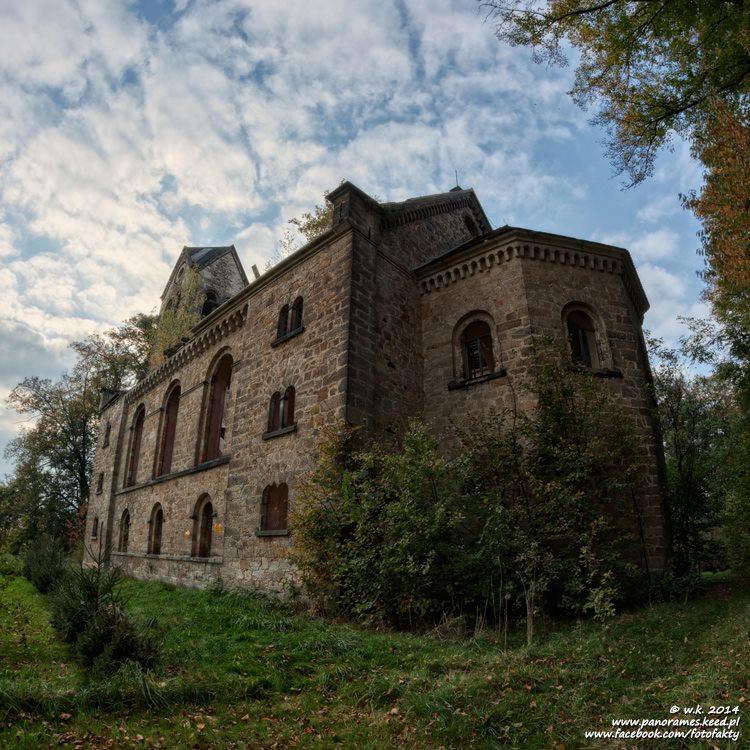 Kościół ewangelicki w Starych Jaroszowicach - Lista opuszczonych miejsc - Foto: Wioletta Kozłowska