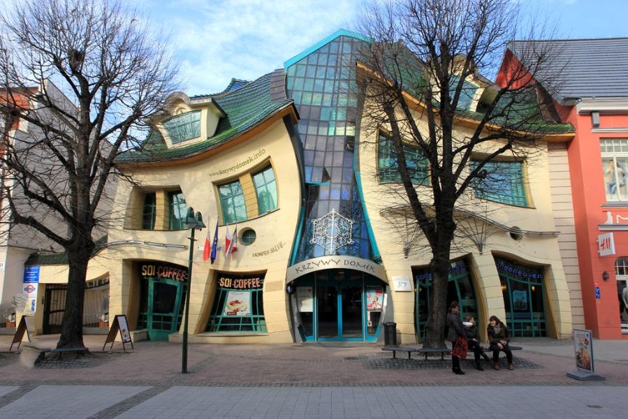 Krzywy Domek w Sopocie - Lista Zaskakujących Miejsc w Polsce - Autor: Tomasz Kapczyńsk