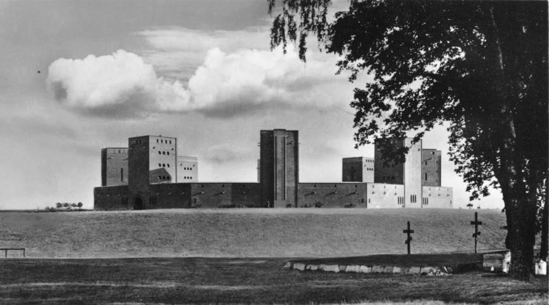Mauzoleum Hindenburga pod Olsztynkiem - Źródło: Das Bundesarchiv