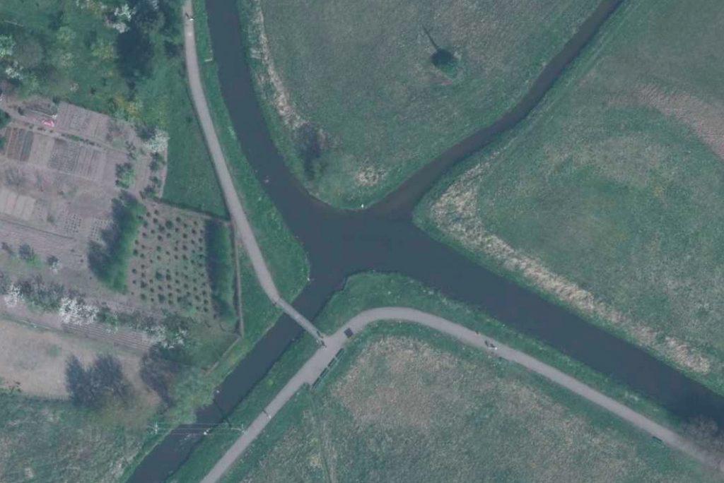 Skrzyżowanie rzek w Wągrowcu - Lista zaskakujących miejsc w Polsce - Źródło: Geoportal