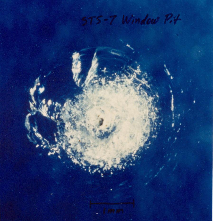 Uszkodzenia Na Powłoce Wahadłowca Challenger - Źródło: NASA
