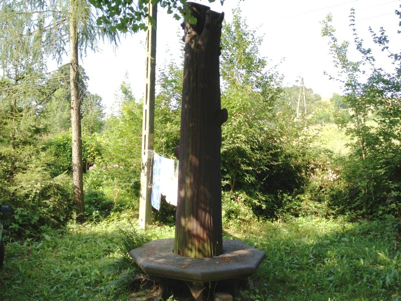 Żelazne Drzewo - Lista najdziwniejszych pomników w Polsce