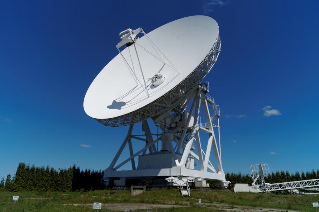 Radioteleskopy to drogie urządzenia - Radioteleskop RT-4 w Piwnicach