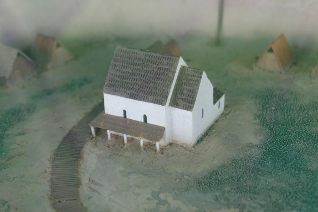 Model rekonstrukcji kościoła grodowego - Zbiory Muzeum Pierwszych Piastów