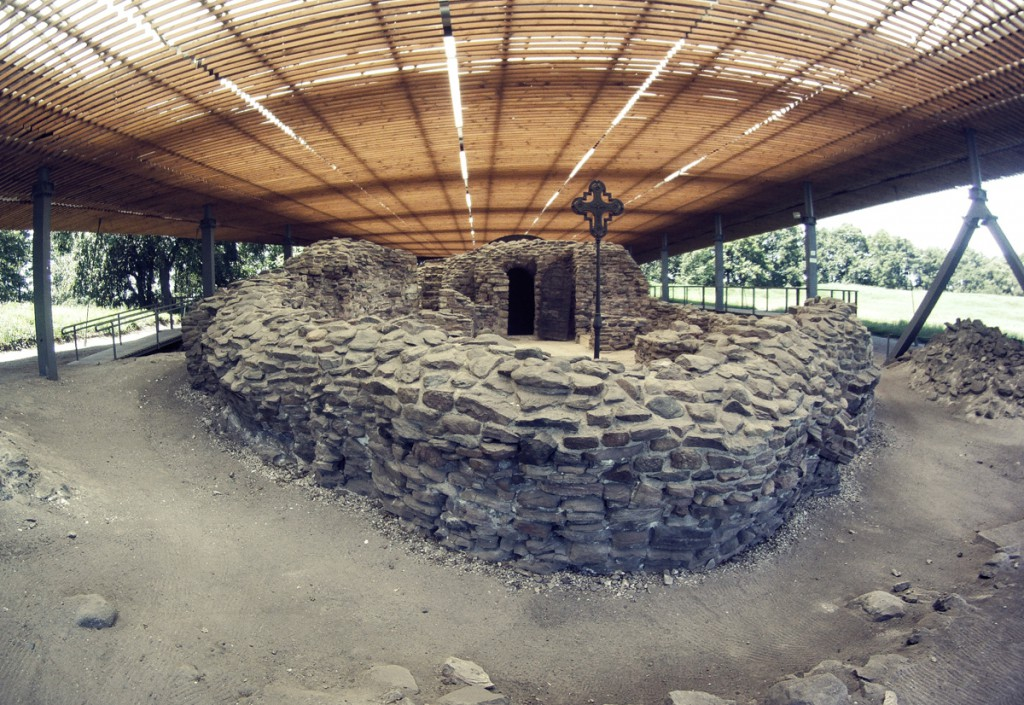 Pozostałości przypałacowej kaplicy - Palatium na Ostrowie Lednickim