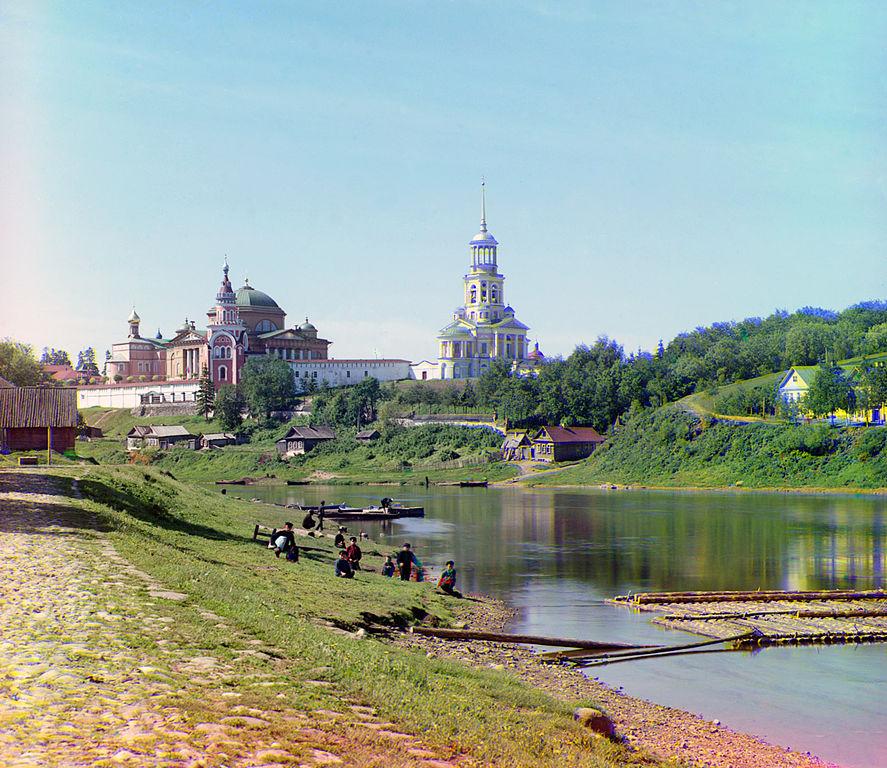 Rzeka Twerca i Monaster św. Borysa i Gleba w Torżoku. Rok 1910.