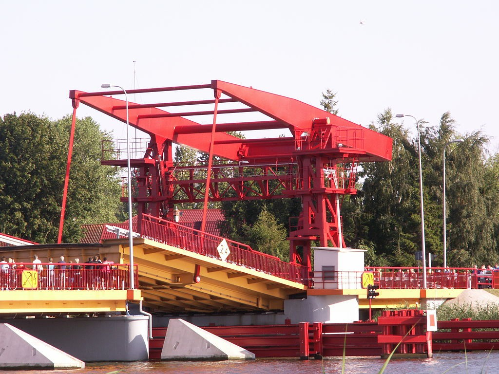 Most zwodzony w Dziwnowie- Foto: Hermod Źródło: commons.wikimedia.org