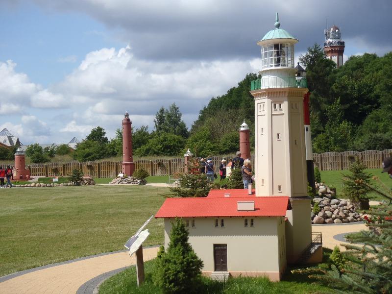 Park Miniatur Latarni Morskich w Niechorzu - Atrakcje Turystyczne Pomorze
