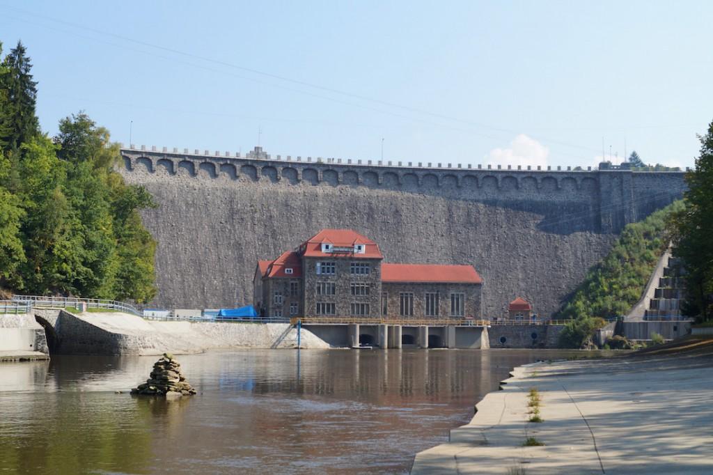 Zapora Wodna w Pilchowicach - Ciekawe Miejsca na Dolnym Śląsku