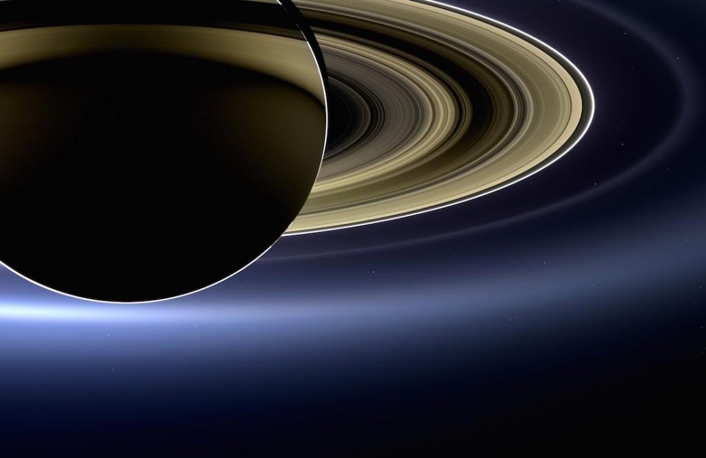 Żeby dostrzec Ziemię trzeba trochę przybliżyć - Foto: NASA/JPL-Caltech/SSI