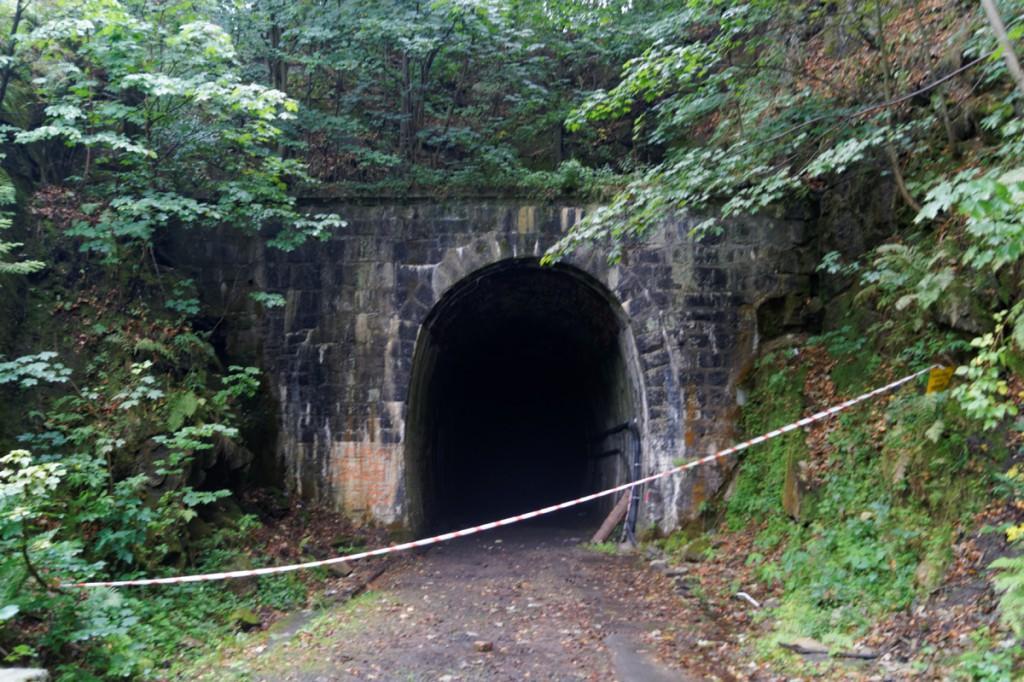"""Czy tunel pod Małym Wołowcem może być również miejscem ukrycia """"złotego pociągu""""?"""