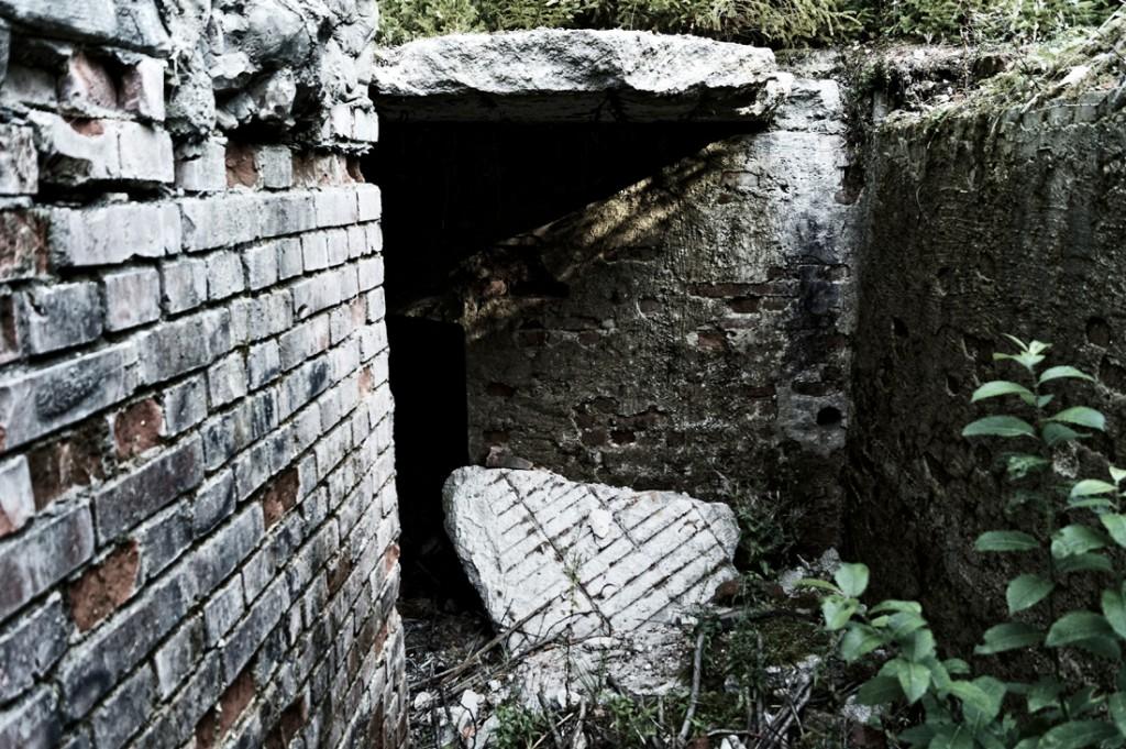 Pozostałości kompleksu fabryki w Antonówce - Podziemia Kamiennej Góry