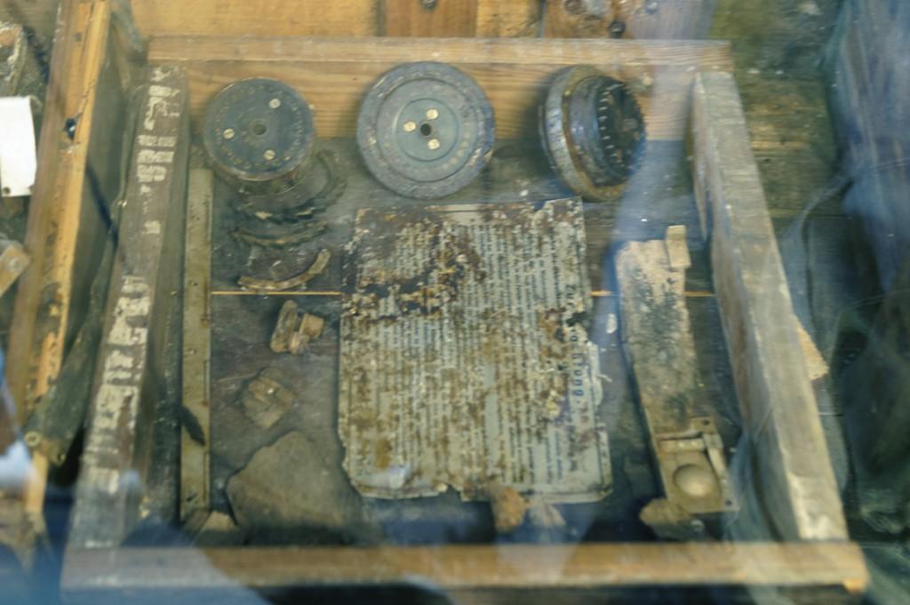 Z ciekawszych eksponatów jest ten zniszczony egzemplarz Enigmy.