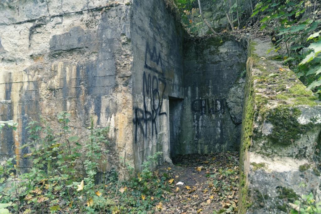 Sztolnie przy ul. Wiejskiej pod Górą Szubianką, prawdopodobnie wykorzystywane, jako schrony przeciwlotnicze.
