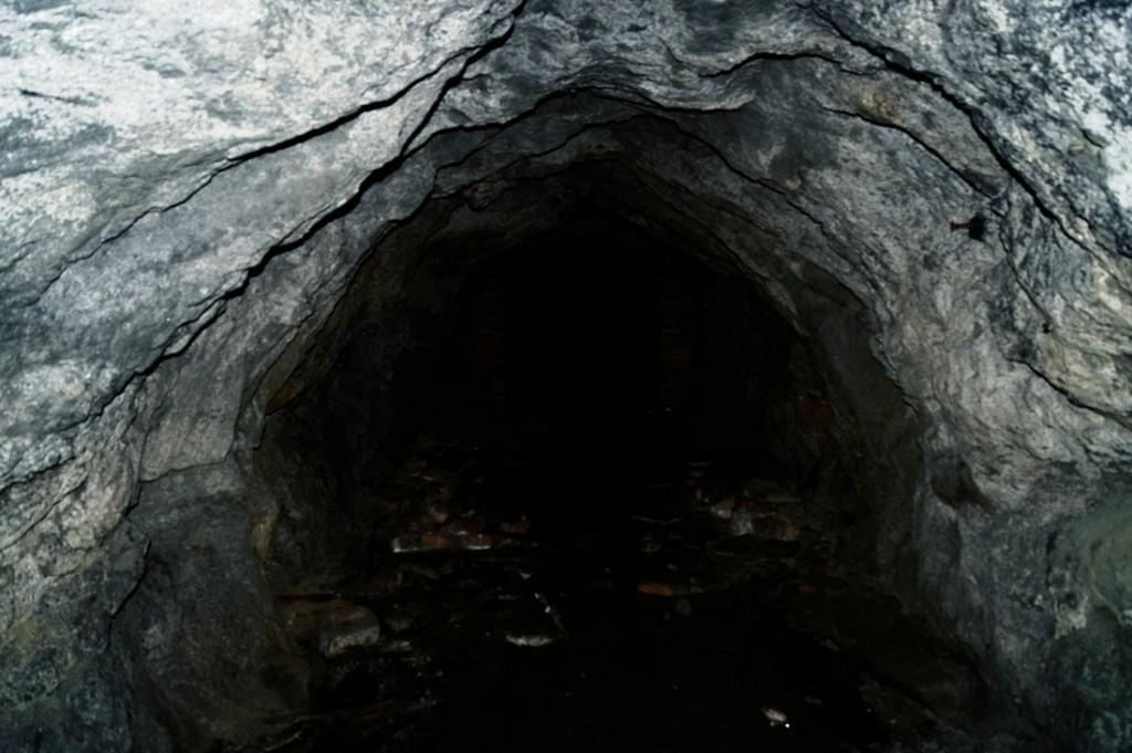 Sztolnie pod Górą Szubianką, część nie posiadają obudowy.