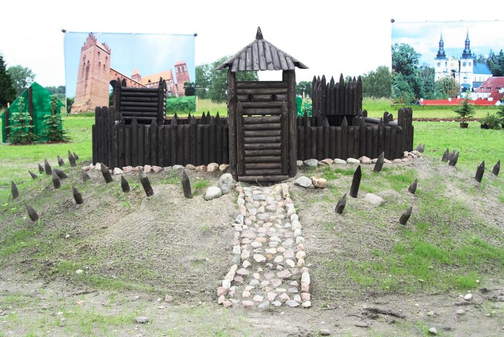 Park Miniatur Warmii i Mazur w Gierłoży - Mazurolandia - Źródło: commons.wikimedia.org Foto: P. Krawiec