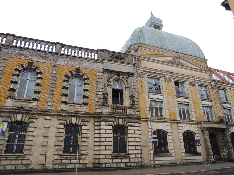 Zabytkowy budynek fabryki Grünfelda, według doniesień w nim ulokowano biura Arado - Foto: Halina Gniewkowska-Gniadek