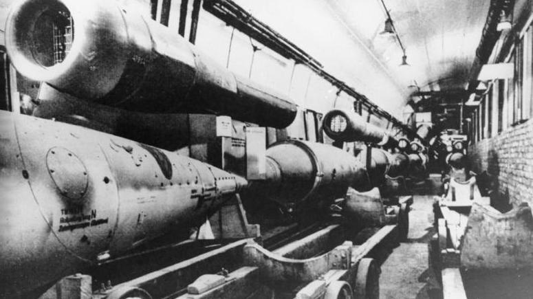 Latające bomby V-1 w fabryce Mittelwerk - Foto: Bundesarchiv
