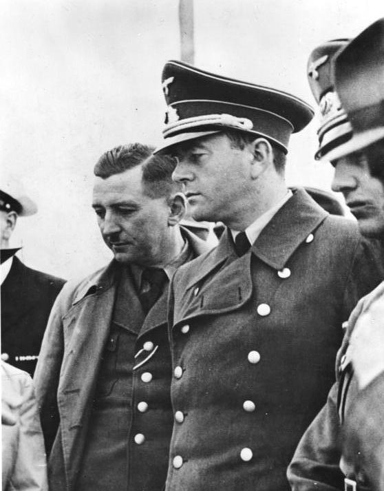 Po lewej Xaver Dorsch, po prawej Albert Speer - Żródło: Bundesarchiv