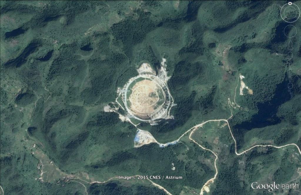 Gigantyczny radioteleskop w Chinach - 10 niezwykłych miejsc na świecie - Źródło: Google Earth