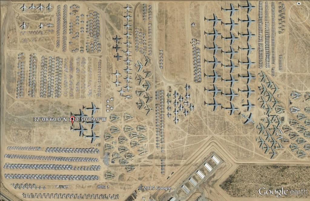 Cmentarzysko wojskowych samolotów w USA - 10 Niezwykłych Miejsc na Świecie - Źródło: Google Earth