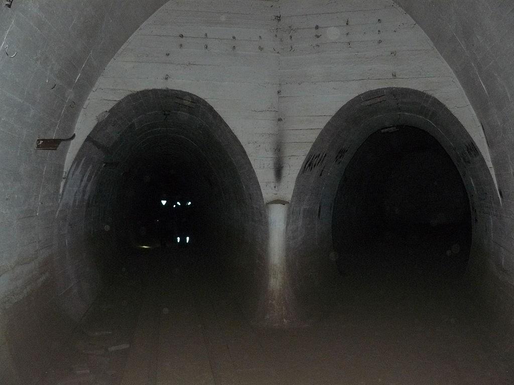 Podziemia MRU - Foto: Shilton77 Źródło: commons.wikimedia.org