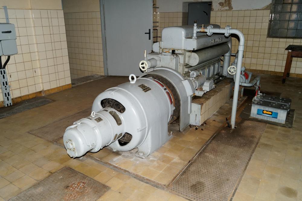 Zachowany silnik Diesla i generator prądu